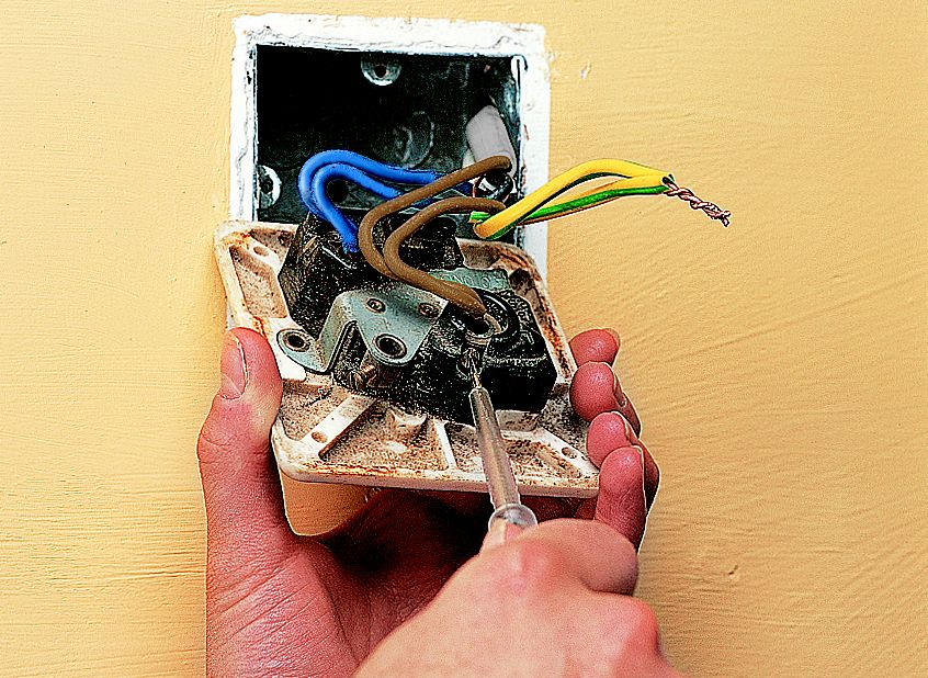 how to fit replace electric sockets ideas advice diy at b q rh diy com Wiring a Socket Electrical Receptacle Wiring