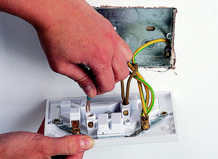 how to fit replace electric sockets ideas advice diy at b q rh diy com Light Bulb Wiring-Diagram Wiring Plugs in Series