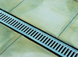How to fit a paving drainage system | Ideas & Advice | DIY