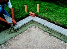How to lay paving blocks gravel asphalt ideas advice diy at bq step 1 solutioingenieria Image collections