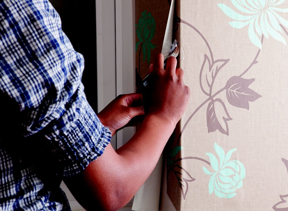 How to Hang Wallpaper Around Corners Woodwork and Outlets How to